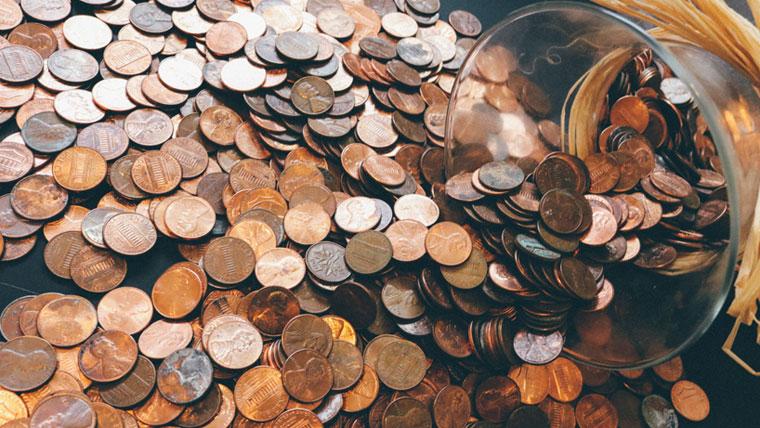 宝くじ購入者の平均所得 < 一般の平均所得
